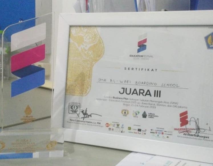 Ikuti Lomba Business Plan Se Jabar, Santri Puteri Al Wafi Raih Juara 3